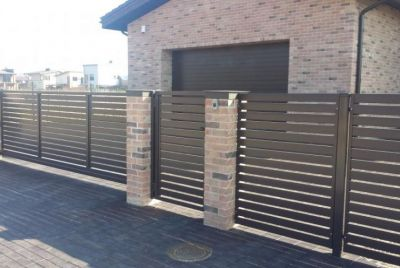 Горизонтальный металлический забор